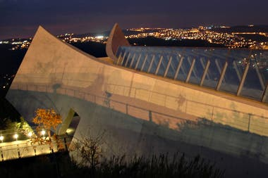El Museo de la Historia del Holocausto fue diseñado por el reconocido arquitecto Moshé Safdie