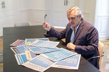 El presidente Alberto Fernández tiene a la firma la decisión de extender la cuarentena total por el coronavirus hasta después de Semana Santa