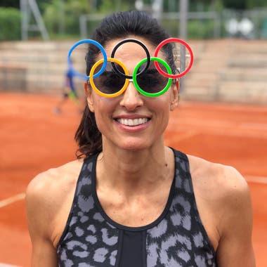 46) Embajadora olímpica. Eso es en lo que se encumbró Sabatini. Las nuevas generaciones de deportistas la tienen como una referencia y Gaby los apoya y disfruta del espíritu olímpico.