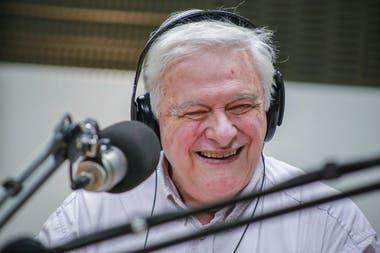 Héctor Larrea, una voz inconfundible del dial