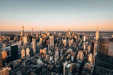 Vista panorámica de 360 grados que alcanza los barrios de Brooklyn, Queens, todo Central Park y una gran parte de New Jersey.