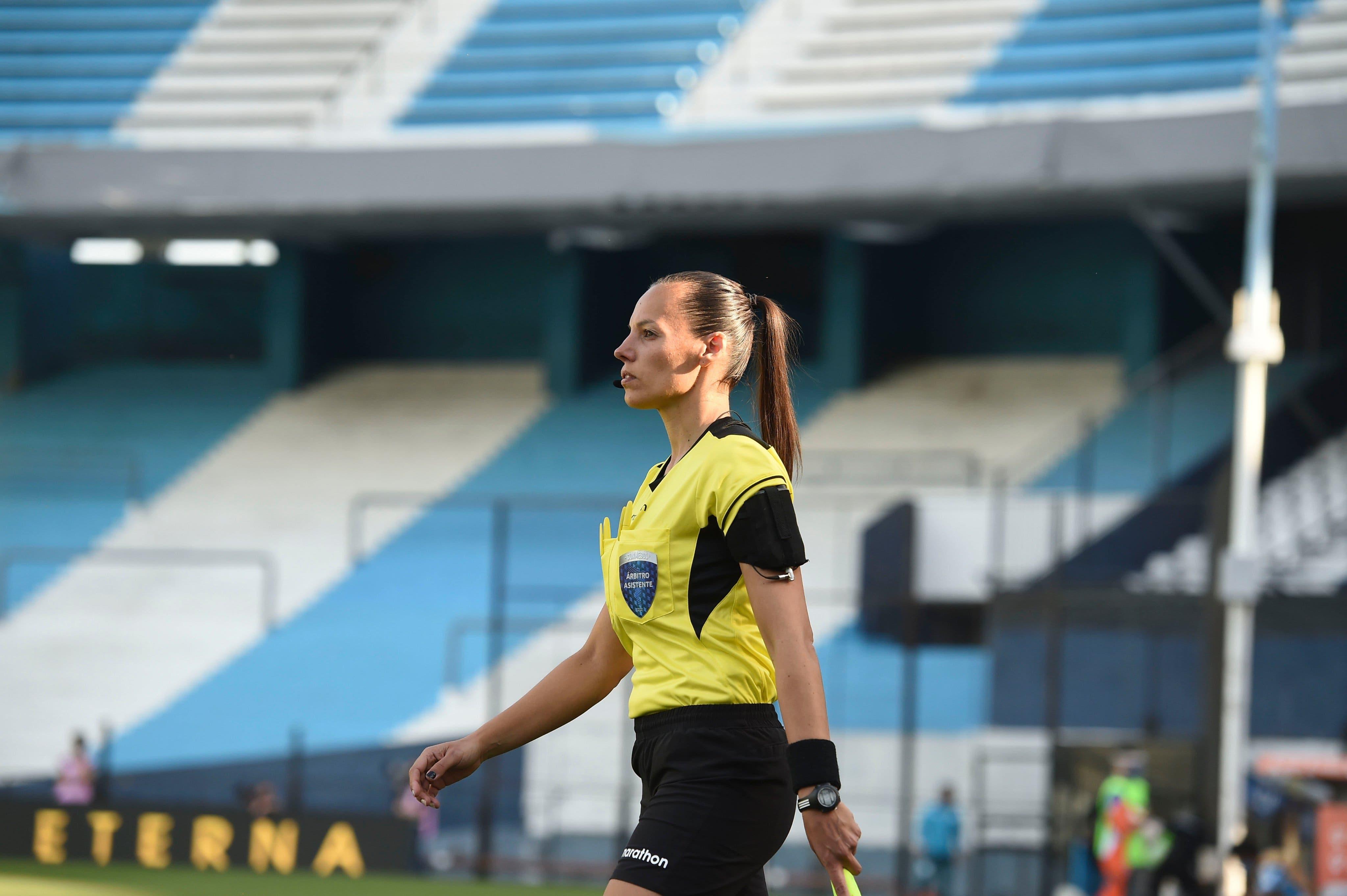 Copa Libertadores: la árbitra argentina que hizo historia en Racing-Nacional y otras perlitas