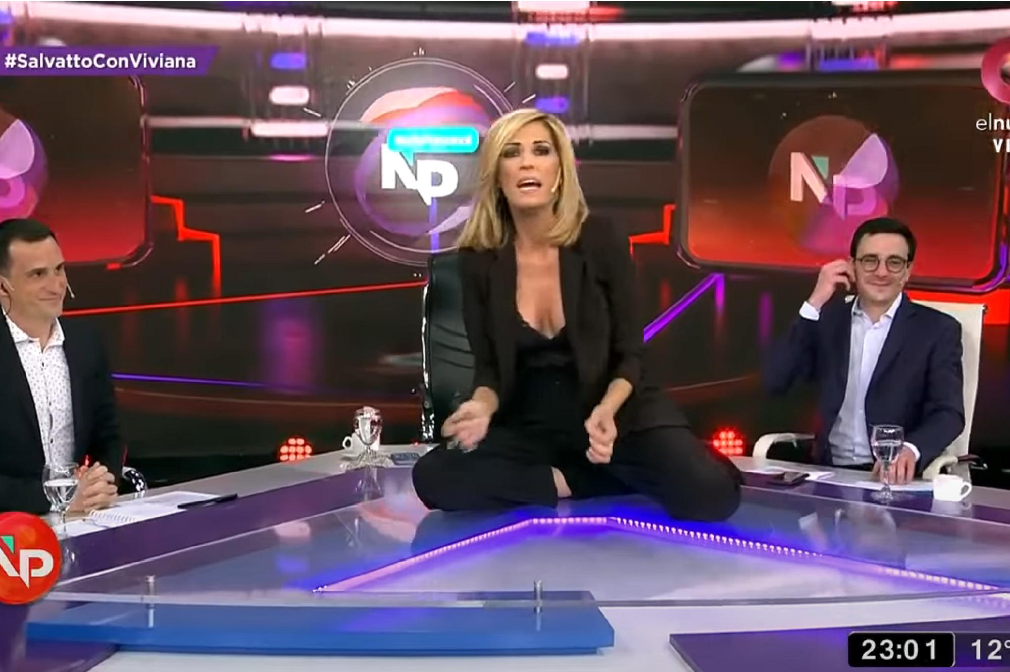 """""""Sarasa"""": Viviana Canosa se trepó a la mesa del programa y descargó su furia contra Martín Guzmán"""