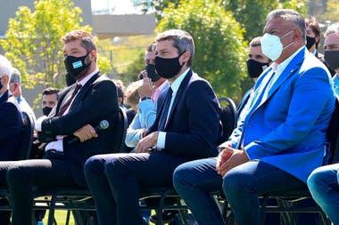 Marcelo Tinelli, Matías Lammens y Claudio Tapia, en Ezeiza: otro día polémico para el fútbol argentino.