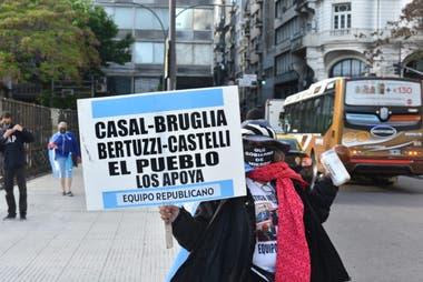 """Piden por """"una Justicia independiente"""" y exigen a la Corte que """"falle a favor de la República"""""""