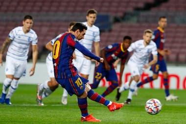 El zurdazo se meterá junto a un poste; los cinco goles de Messi en la temporada fueron de penal