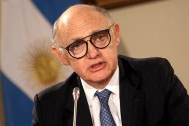 """Timerman padece cáncer y, según su abogado Alejandro Rúa, """"está en su casa en Buenos Aires, descansando, afrontando un tratamiento""""."""