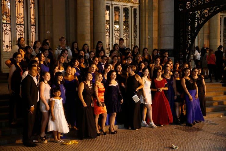 Los fans del cantante se vistieron de gala para la ocasión