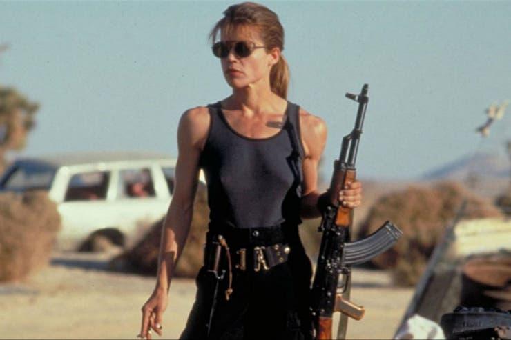 La figura de Sarah Connor se revela como una pionera en la lucha por mostrar personajes femeninos fuertes en el cine. El regreso de Linda Hamilton para la nueva película, es uno de los más esperados por el público.