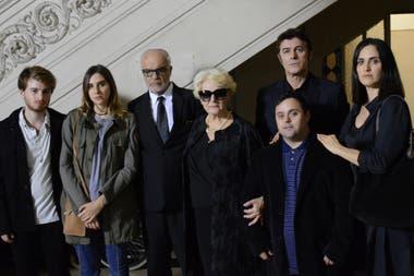 El elenco de La caída, la nueva propuesta de la Televisión Pública