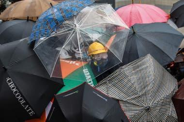 Hong Kong: con balas de goma y heridos se recrudecen las protestas contra China