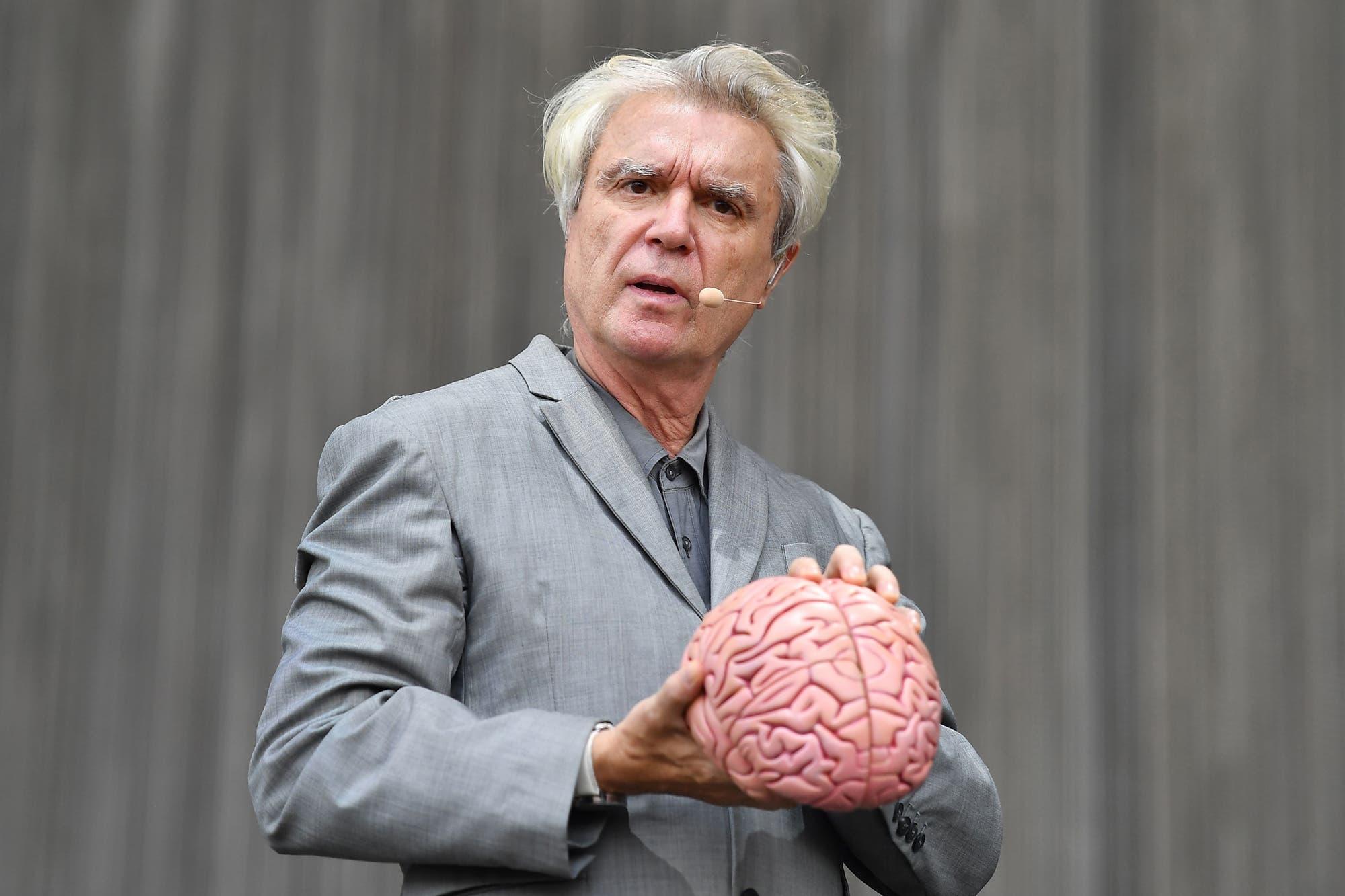 David Byrne reivindica los covers y se sube al oficio de armardor de playlist