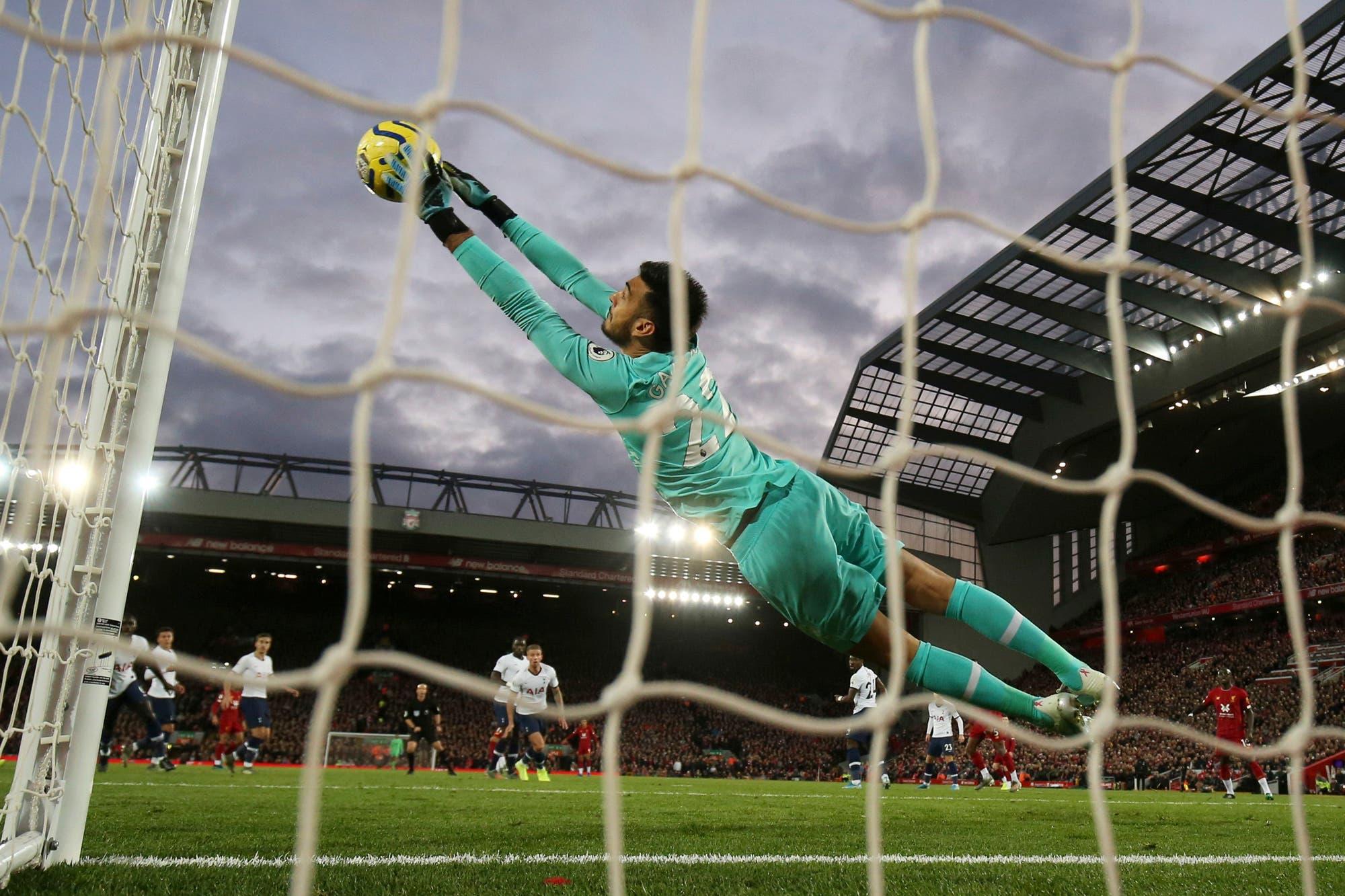 Premier League: las 12 atajadas de Gazzaniga no le alcanzaron al Tottenham de Pochettino contra Liverpool