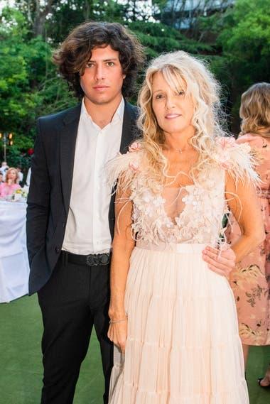 Miriam Poggio y su hijo Bautista