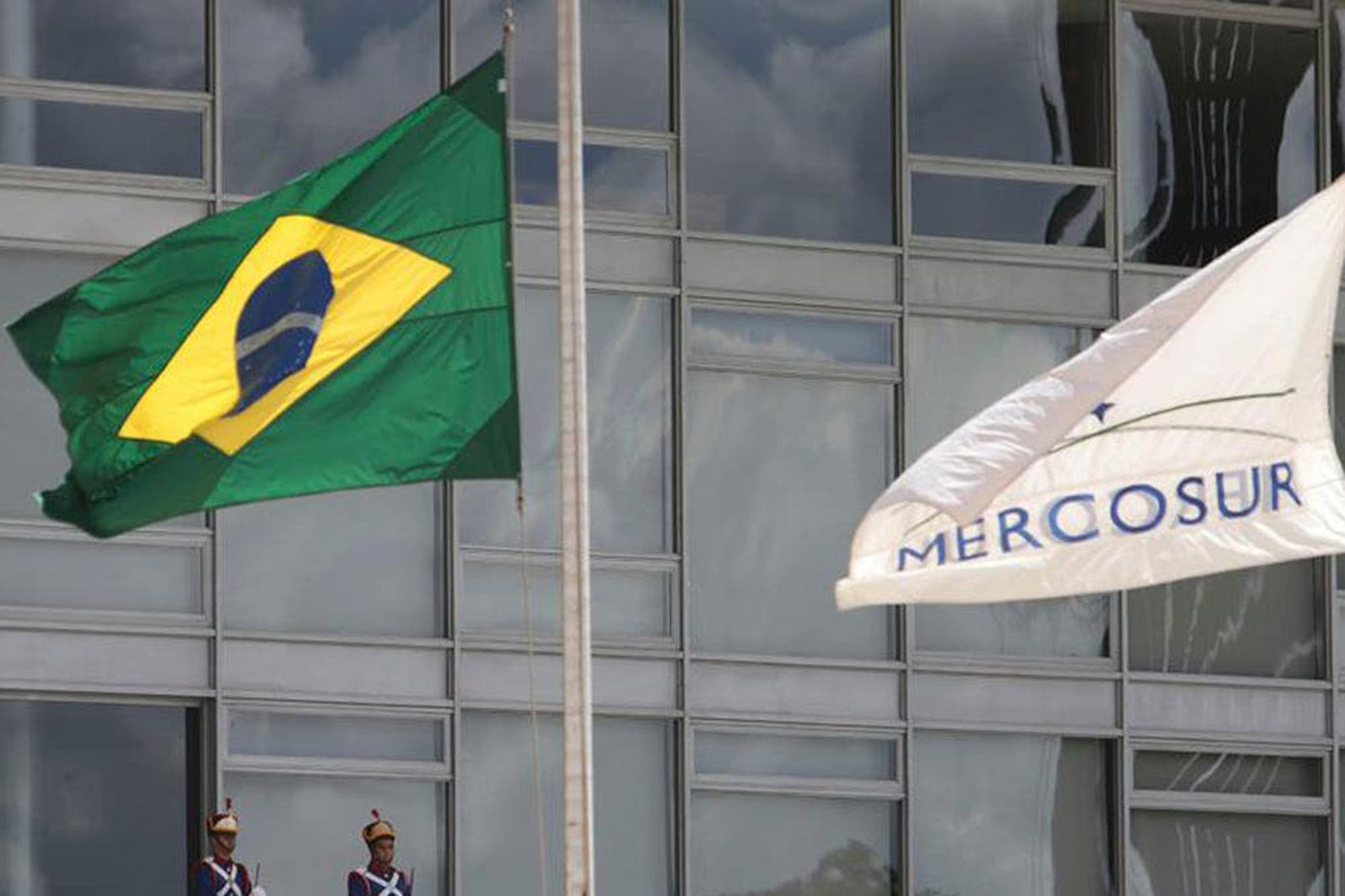 """""""No nos aislemos"""". El pedido del grupo de WhatsApp Nuestra Voz por el Mercosur"""