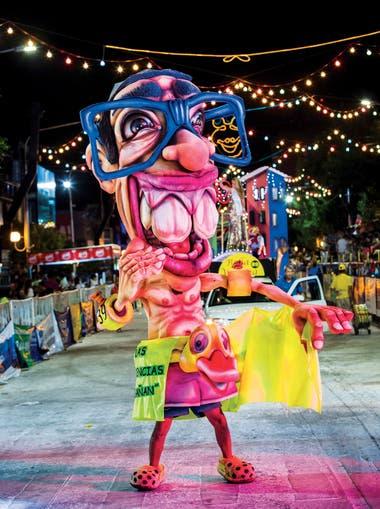 El carnaval artesanal es una creción propia de la ciudad de Lincoln