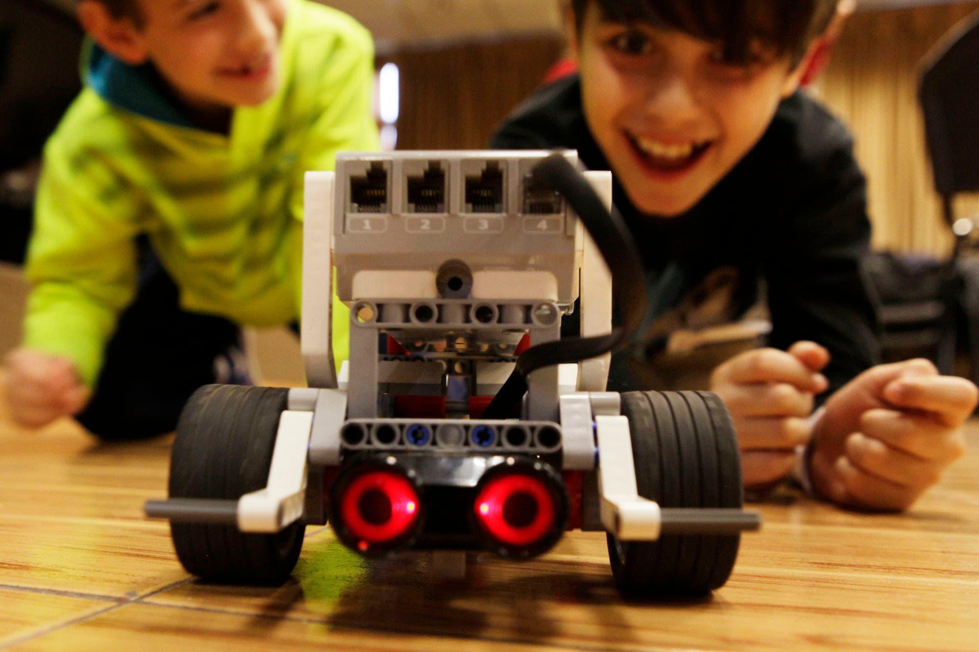 Robotito: el taller argentino de robótica para niños del ITBA es finalista de un prestigioso premio de la ONU y la UIT
