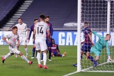 La escena final del gol de Kimmich, el quinto de Bayern Munich a Barcelona