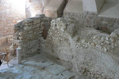 El arqueólogo Dark está convencido de que la construcción fue realizada por la hábil mano de un artesano de la piedra, que no fue otro que José, el padre de Jesucristo