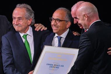 Gianni Infantino junto a los presidentes de las federaciones de México, Estádos Unidos y Canada