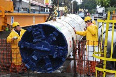 Mora, instalada hace diez días, trabajará las 24 horas del día y avanzará unos 30 metros en promedio por jornada