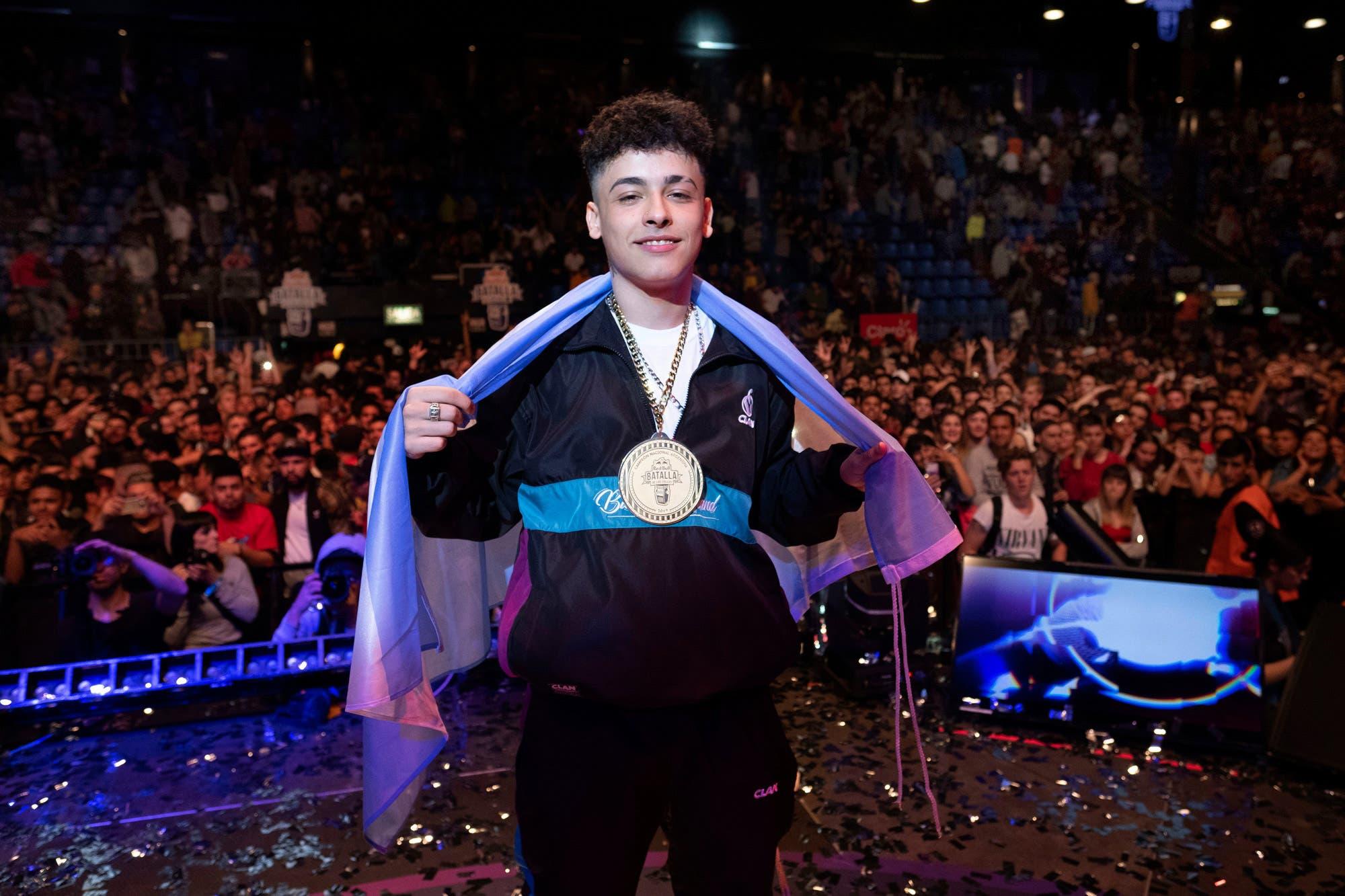 Cómo Trueno llegó a ser el campeón más joven de la historia de Batalla de los Gallos en Argentina
