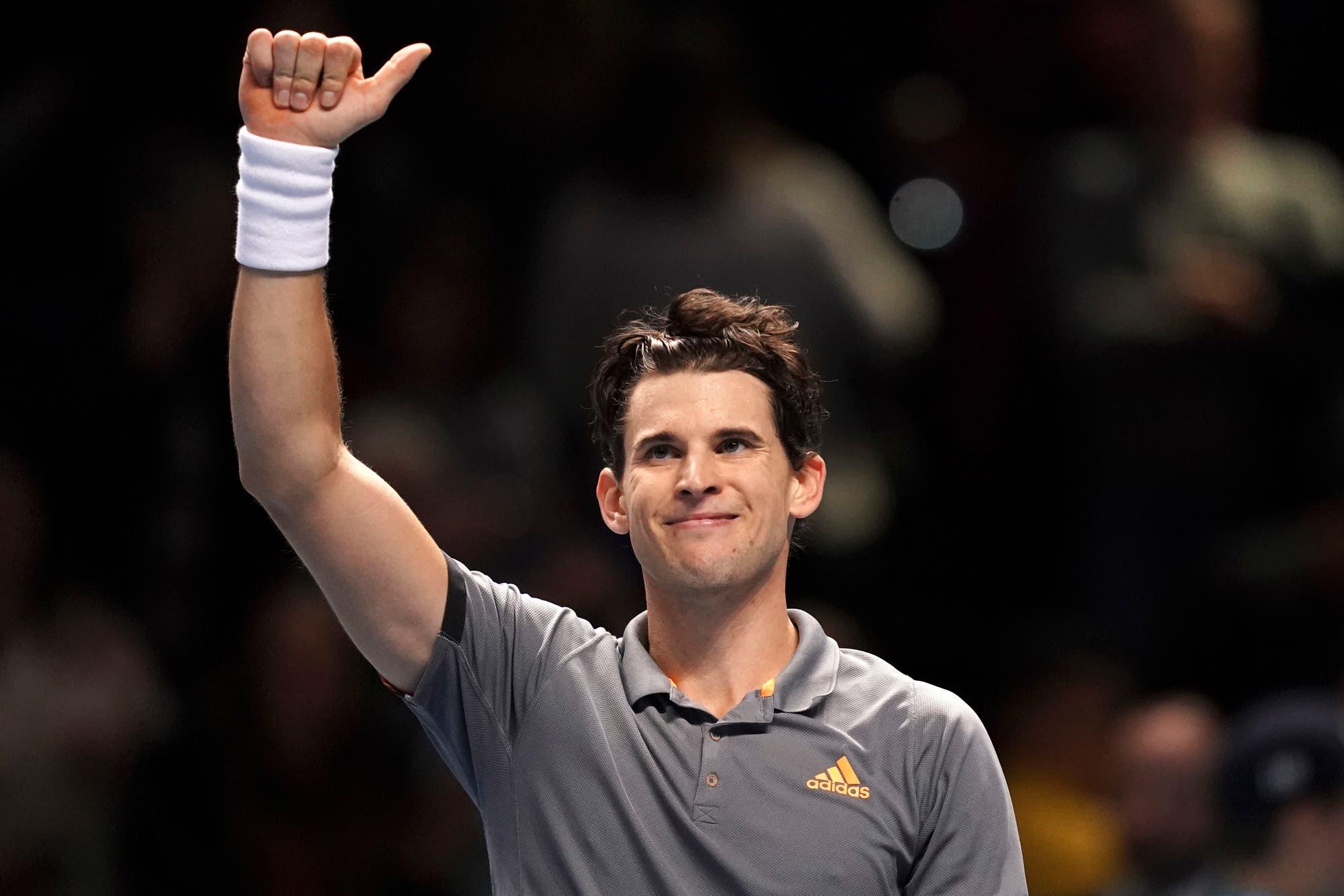 Masters de Londres. Tsitsipas no perdonó a Federer y definirá con Thiem