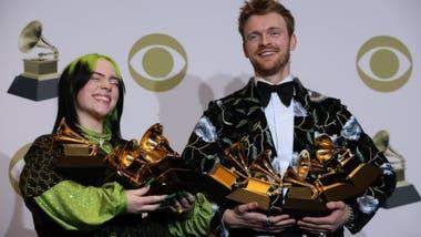 Billie Eilish y su hermano Finneas compusieron el disco de la cantante en una pequeña habitación de su casa en Los Ángeles.