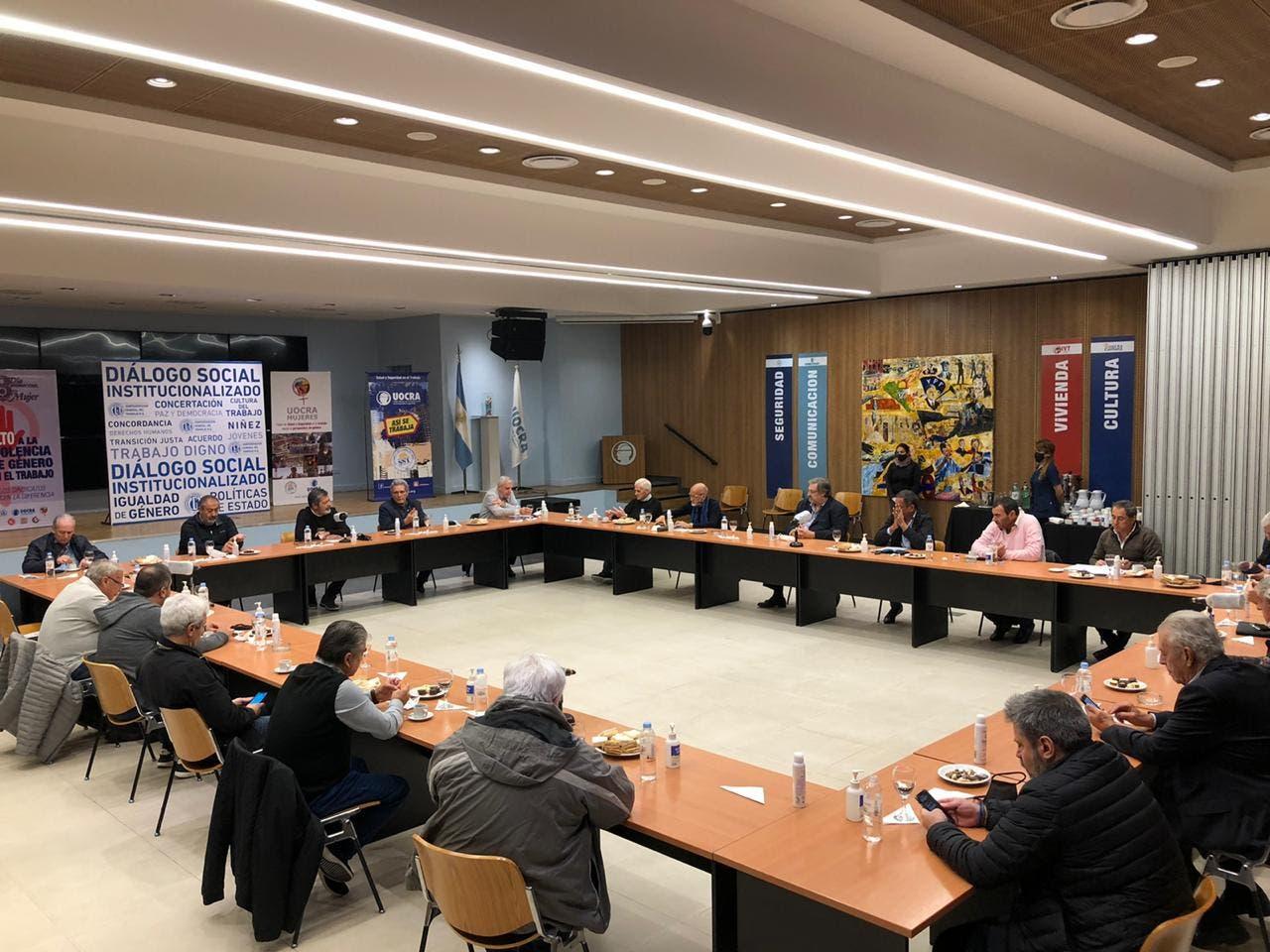 Coronavirus en la Argentina: la CGT ratificó el acuerdo con la UIA y anunció que le pedirá al Presidente que prorrogue la prohibición de despidos
