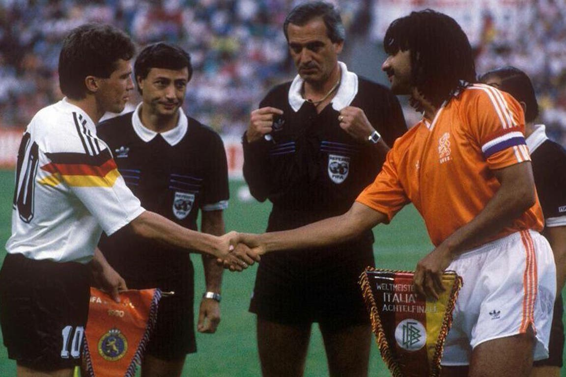 Loustau, testigo del saludo entre Lothar Matthäus y Ruud Gullit, antes del Alemania-Holanda del Mundial Italia 90