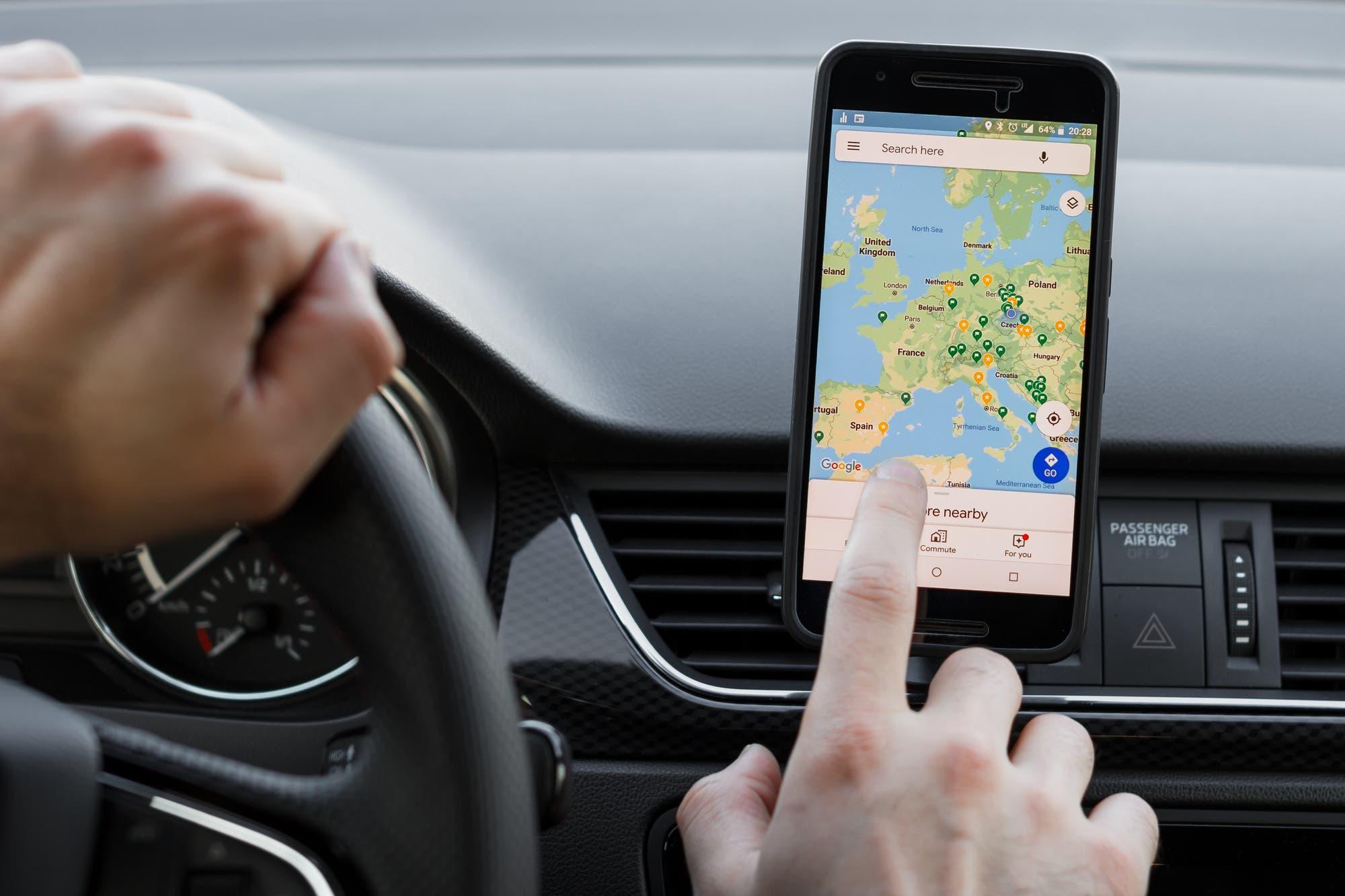 Nueva voz: así suena la nueva navegación guiada de Google Maps
