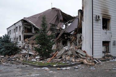 Las secuelas de los recientes bombardeos en Stepanakert, durante los combates entre Armenia y Azerbaiyán por la región separatista de Nagorno-Karabaj