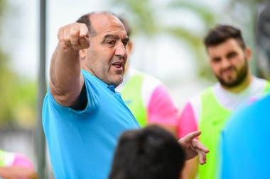 Mario Ledesma y el desafío de un buen cierre de año, jaqueado por la inactividad