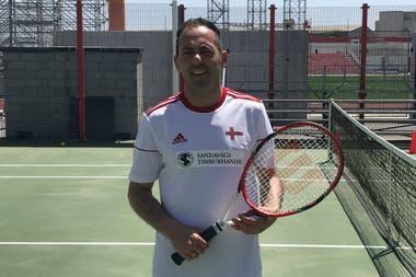 Pablo es un apasionado del tenis. Junto a su equipo de tenis de Feroe viajó a Gibraltar. Como productor, puede verse una de sus películas filmadas en Feroe en <a href=