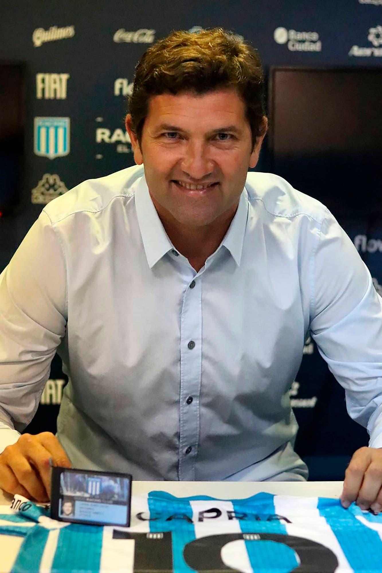 Rubén Capria asumió como manager de Racing y ya tiene el candidato para ser el DT