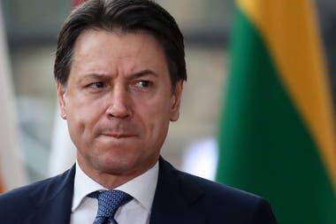 El premier italiano Giuseppe Conte renunció e intentará formar un nuevo gobierno