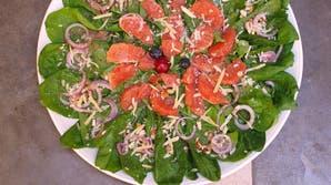 Ensalada de verano: espinacas, nueces y pomelo rosado
