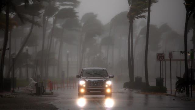 Huracán Irma: la furia de la tormenta desata una alerta por tornados y provoca un muerto en Florida
