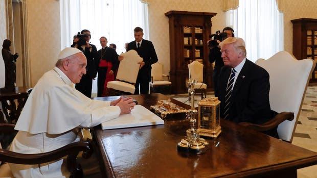 Resultado de imagen para trump y el papa francisco