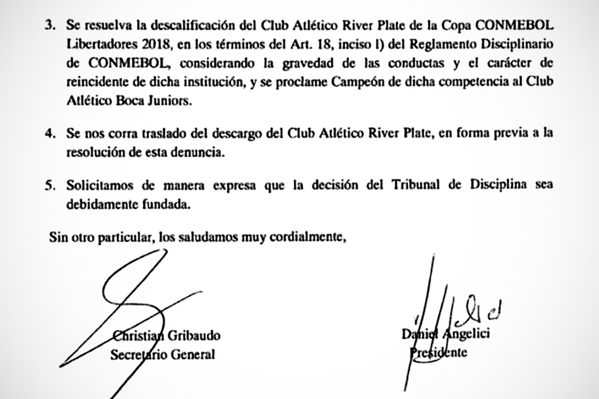 """""""Cobarde y orquestada agresión a Boca"""": el análisis de las 26 páginas que presentó Angelici en la Conmebol"""