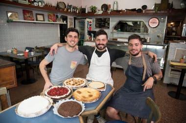 Tres amigos manejan hoy el ícono del barrio: Facundo Rodríguez, Joaquín Ciafardini y Luciano Kevrikian