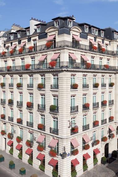 La fachada de Le Bristol, en la Rue du Faubourg Saint Honoré