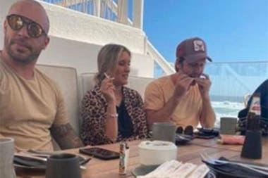 Se viralizaron las imágenes de Vicuña almorzando con amigos en Valparaíso, y la China Suárez no dejó pasar el tema y envió un mensaje a su pareja por las redes sociales