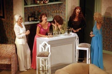 Brujas, la comedia protagonizada por Susana Campos, Nora cárpena, Thelma Biral, Moria Casán y Graciela Dufau que vieron un millón de espectadores