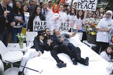 En 2018, Yoko recrea un Bed-in for Peace con Ringo Starr y Jeff Bridges en apoyo al Autobús Educativo John Lennon, en La Gran Manzana