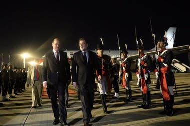 Fue recibido en el Aeropuerto Internacional de Ezeiza por el vicecanciller Daniel Raimondi y por el embajador argentino en España, Ramón Puerta