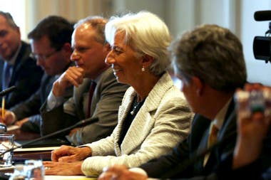 Nicolas Dujovne y Christine Lagarde reunidos en Washington