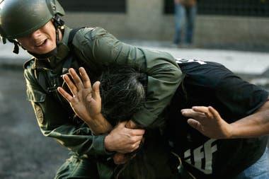 Disturbios durante la marcha en protesta por el proyecto de ley de Reforma Previsional. Buenos Aires, 18 de Diciembre de 2017. Foto: Fabián Marelli