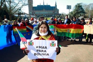 La Haya rechazó el reclamo de Bolivia para negociar con Chile la salida al mar