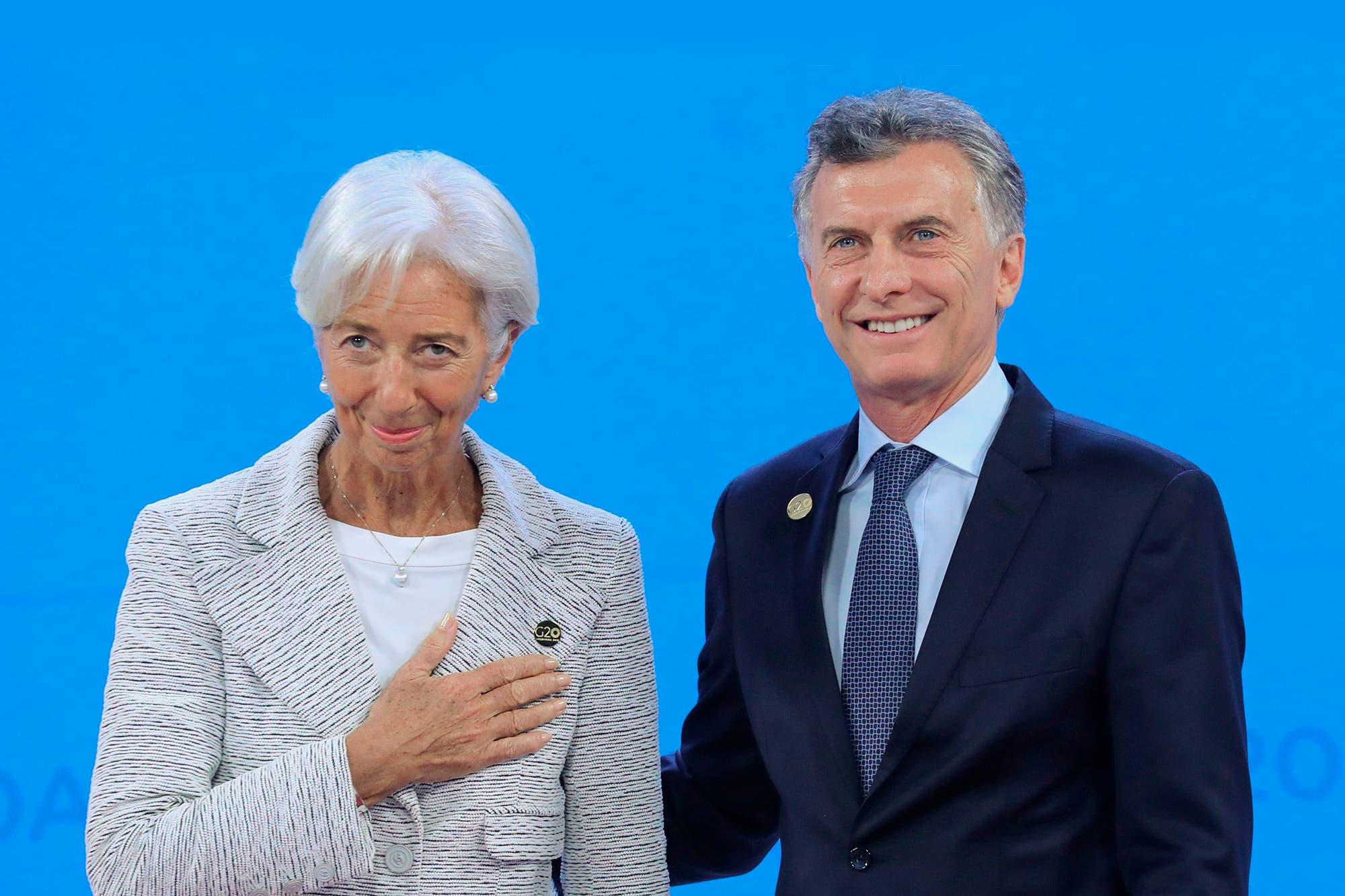 El FMI aprobó la cuarta revisión de la economía argentina y depositará US$5400 millones